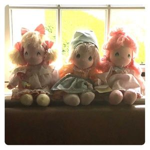 Precious moments applause dolls